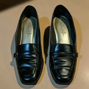 Soft Style dress shoes